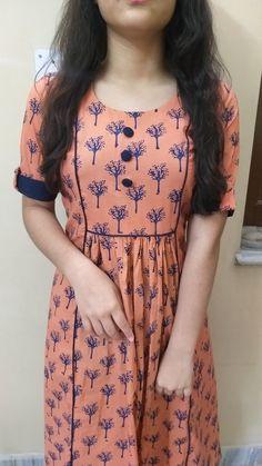 Chudidhar Designs, Kids Blouse Designs, Kurta Designs Women, Kurti Neck Designs, Dress Neck Designs, Pakistani Fashion Party Wear, Pakistani Dresses Casual, Girls Casual Dresses, Stylish Dresses