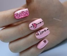 Pink Glitter Herz Nail Art, How to utilize nail polish? Nail polish on your own friend's nails looks perfect, but you can't Heart Nail Designs, Valentine's Day Nail Designs, Nails Design, Simple Nail Design, Cute Easy Nail Designs, Bright Nail Designs, Cute Acrylic Nail Designs, Heart Nail Art, Heart Nails