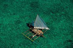 YannArthusBertrand2.org - Fond d écran gratuit à télécharger || Download free wallpaper - Bateau près de Tagbilaran, Île de Bohol, Philippines (9°39' N - 123°51' E).