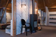 Tromp en van Eck showroom zolder Harrie Leenders Fuga Louis Ghost chair Cole & Son Woods