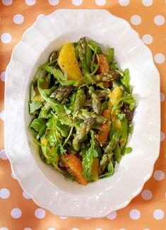 Salade tiède d'asperges au beurre noisette - Châtelaine Vinaigrette, Avocado Toast, Side Dishes, Tacos, Finesse, Meals, Breakfast, Ethnic Recipes, Food