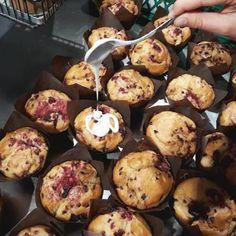 Glasieren glasieren glasieren ich liebe frische Himbeer Muffins mit Zitronenglasurhellip Breakfast, Food, Rice Flour, Gluten Free Cakes, Food Food, Raspberry Muffins, Agaves, Raspberries, Morning Coffee