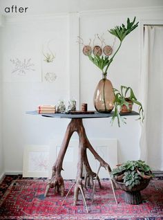 When a good DIY and great design come together in one project, it's my very favorite thing. Like this DIY branch table via :: Design Sponge Diy Furniture, Furniture Design, Furniture Plans, Diy Tisch, Do It Yourself Design, Diy Casa, Branch Decor, Decoration Table, Autumn Home