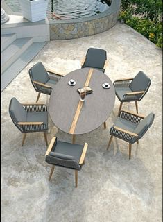 Round Outdoor Dining Table, Outdoor Chairs, Outdoor Living, Dining Chairs, Modern Outdoor Furniture, Garden Furniture, Diy Bedroom Decor, Diy Home Decor, Steel Sofa