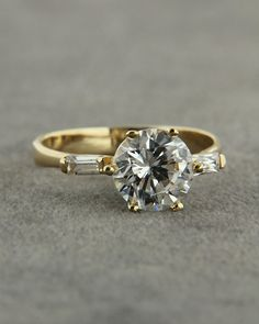 Μονόπετρο δαχτυλίδι 14Κ λευκόχρυσο με Ζιργκόν