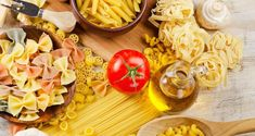 Recipes for pasta. The Greek chef Akis Petretzikis offers online his easy to make and fantastic recipes for spaghetti and all other pasta. Impressive Desserts, Greek Recipes, Pasta Salad, Easy Meals, Cooking Recipes, Cheese, Ethnic Recipes, Food, Pizza