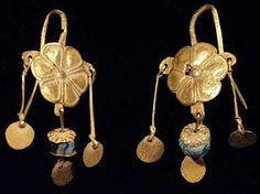 Roman gold earrings, circa 100-200AD Photo courtesy ancienttouch.com