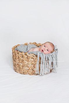 Saa Kurkistaa - Sisustusblogi: Ensimmäinen kummilapsi ❤ Bassinet, Babies, Boho, Children, Diy, Furniture, Home Decor, Young Children, Crib