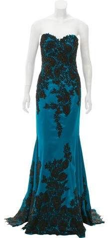 Green and black MAc Duggal embellished evening dress with sweetheart neckline and train at hem. Amazing Dresses, Nice Dresses, Formal Dresses, Black Mac, Mac Duggal, Autumn Fashion Casual, Strapless Dress Formal, Evening Dresses, Clothes