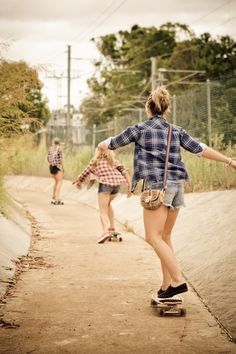 flannels, shorts, buns and vans :)