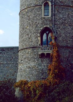 The princess tower in London, England - Ashli Amador Princess Tower, Medieval, Templer, Outlander, Dragon Age Inquisition, Kirchen, Far Away, Architecture, London England
