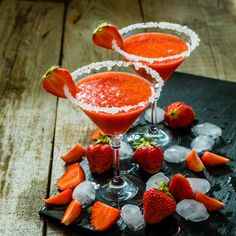 Mojito, Margarita Ingredients, Sangria, Strawberry Margarita, Punch Bowls, Panna Cotta, Fruit, Ethnic Recipes, Graphics