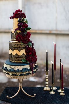 Black and gold wedding cake, gold lace wedding cake by Soft Peaks Cakery, photo by Ashley Cook Photography
