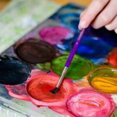 schilderen vind ik wel heel leuk. Het leuke aan schilderen is dat je er zo veel verschillende dingen mee kan en dat je je mening er zo goed mee kan uiten!