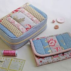 Scrap Fabric Projects, Easy Sewing Projects, Fabric Scraps, Sewing Hacks, Patchwork Bags, Quilted Bag, Plastic Spoon Crafts, Sew Wallet, Bag Pattern Free