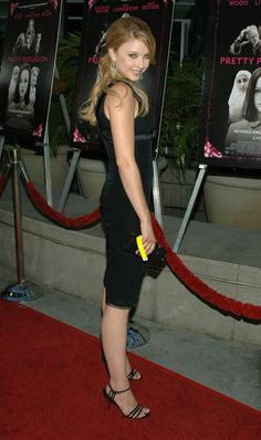 Share, rate and discuss pictures of Elisabeth Harnois's feet on wikiFeet - the most comprehensive celebrity feet database to ever have existed. Elisabeth Harnois, Adventures In Wonderland, Celebrity Feet, Cheryl, Capri Pants, Dresses For Work, Actresses, Female, Celebrities