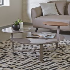 Click to zoom - Satellite coffee table