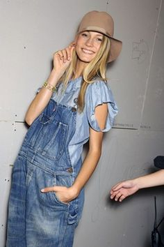 #Ralph Lauren Hillbilly Chic PattyonSite Boho Fashion, Fashion Show, Fashion Trends, Dungarees, Overalls, Salopette Jeans, Denim And Diamonds, Show Beauty, Fade Styles
