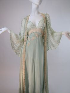 Beautiful Vintage 30's Bridal Trousseau Silk Peignoir Set, Nightgown and Robe
