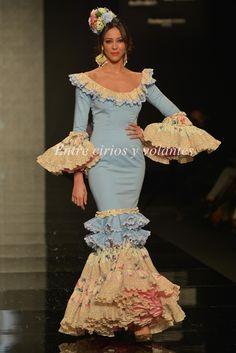 SimoF 2015 · Moda Flamenca por Claudia Alfaro. Spanish Fashion, Spanish Style, Renaissance Fashion, Abaya Fashion, Indian Bridal, Masquerade, Peplum Dress, Style Inspiration, Ballet