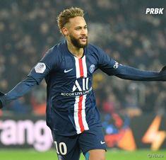 Football Neymar, Fc Barcelona Wallpapers, Paris Saint Germain Fc, Neymar Psg, France Football, Soccer Players, Baseball Cards, Logo, Games