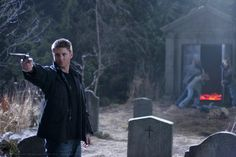 A gallery of Supernatural publicity stills and other photos. Featuring Jensen Ackles, Jared Padalecki, Misha Collins, Jim Beaver and others. Supernatural Season 2, Supernatural Art, Jim Beaver, Destiel, Dean Winchester, Jensen Ackles, Bradley Mountain, Shots, Movies