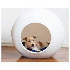 Couchage pour chien contemporain réalisé dans un matériau de qualité à faible impact environnemental. Un design urbain et innovant pour nos intérieurs.