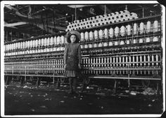 Cotton Mill Child Labor VA Lewis Hine 1911 Lewis Hine photo of a young spinner working in a cotton mill in Roanoke, Virginia. Vintage Children Photos, Vintage Photos, Empire State Building, Fotografia Social, Lewis Hine, Cotton Mill, Virginia History, Lourdes, New River