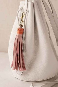 Urban Outfitters -- USB Leather Tassel Keychain + Charging Cord -- Umm coolest thing ever! And oh so handy on a bike Cute Christmas Outfits, Christmas Gifts For Women, Gifts For Mum, Christmas 2016, Christmas Ideas, Leather Tassel Keychain, Tassel Necklace, Leather Accessories, Fashion Accessories