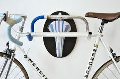 andreas-scheiger-upcycle-fetish-bicycle-designboom-07-818x541