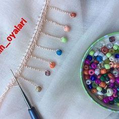 Ayşegül Hanım's Awesome Crochet Needlework Models - pregnant Diy Embroidery Thread, Hand Embroidery Dress, Hand Embroidery Patterns, Embroidery Stitches, Crochet Necklace Pattern, Crochet Bracelet, Saree Kuchu Designs, Crochet Lace Edging, Crochet Videos