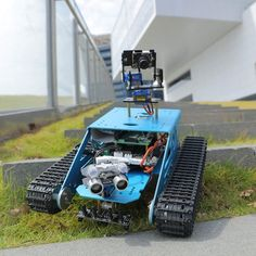 DIY Robot for Raspberry Pi Tank Smart Robotic WiFi Wireless Video Programe Electronic Toy Kids Adults Compatible for RPI Robot Kits For Kids, Robots For Kids, Bushcraft, Robot Platform, Open Source Programs, Arduino Projects, Robotics Projects, Robotics Engineering, Mechanical Engineering