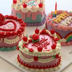Pretty Birthday Cakes, Pretty Cakes, Beautiful Cakes, Amazing Cakes, Happy Birthday, Bolo Normal, Korean Cake, Pastel Cakes, Colorful Cakes