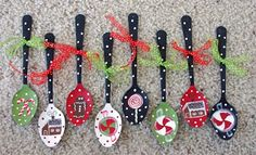 hand painted spoon ornaments. Christmas Craft.