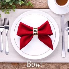 napkin folds ever hristmastwineornament hristmastwineornament Quick fixes for efficient people! napkin folding tutorial - Girl about townhouse Christmas Napkin Folding Idea Christmas Napkin Folding Idea 163 the best christmas crafts . Diy Home Crafts, Decor Crafts, Holiday Crafts, Holiday Decor, Christmas Decorating Ideas, Christmas Dinner Party Decorations, Christmas Entertaining, Christmas Tablescapes, Halloween Decorations