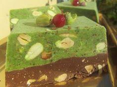 Turrón de pistachos cocina tradicional Decadent Cakes, Tasty, Yummy Food, Four, Original Recipe, Cake Cookies, Fudge, Cake Recipes, Biscuits