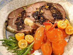 Баранина с черносливом и имбирной морковью