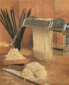 Resep bakmi homemade Snack Recipes, Cooking Recipes, Savoury Recipes, Snacks, Malay Food, Indonesian Food, Asian Cooking, Chinese Food, Soups And Stews