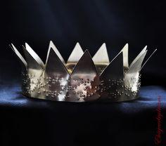 ANTI - Rihanna Gold Crown