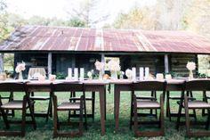 Gold wedding ideas | Photo by Sara Logan Photography | Read more - http://www.100layercake.com/blog/?p=68542
