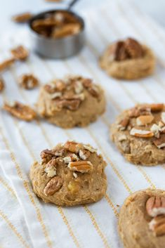 Gluten Free Peanut Butter and Pecan Breakfast Cookies - Hodgson Mill Gluten Free Brownies, Gluten Free Snacks, Gluten Free Breakfasts, Gluten Free Baking, Gluten Free Recipes, Breakfast Cookies, Breakfast Recipes, Spring Recipes, Winter Recipes