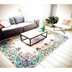 pastel vintage look rug from rozenkelim.nl  Pastel vintage look vloerkleed van rozenkelim.nl