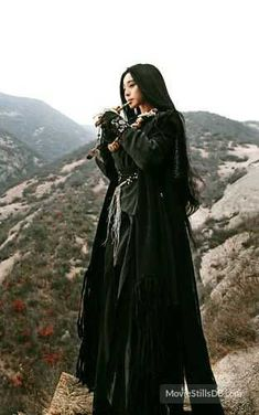 The White Haired Witch of Lunar Kingdom - Fan Bingbing White Haired Witch, White Witch, Samurai, Fan Bingbing, Chinese Clothing, Hanfu, Costume Design, Character Inspiration, Asian Beauty
