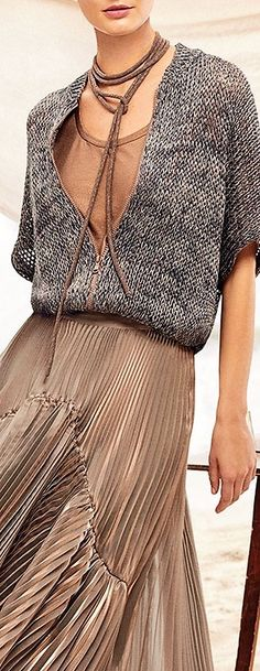 Knitting design fashion knitwear inspiration 47 ideas for 2020 Knitting Wool, Sweater Knitting Patterns, Knitting Designs, Crochet Patterns, Knitwear Fashion, Knit Fashion, Womens Fashion, Lookbook, Brunello Cucinelli