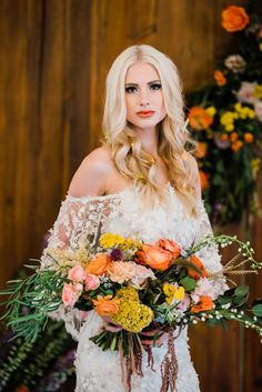 This little beauty presents 5 Living Coral wedding details for the Pantone obsessed bride. Tap the to some boho chicness that colors us happy. Boho Wedding, Wedding Day, Wedding Flowers, Strictly Weddings, Bohemian Design, Coral Color, Romantic Weddings, Wedding Details, Bridal Gowns