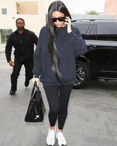 Casual Street Style Slay G I R L Kim K In 2019 Kardashian . Casual street style slay G I R L kim k in 2019 Kardashian kim kardashian casual outfits - Casual Outfit Estilo Kardashian, Kourtney Kardashian, Casual Outfits, Cute Outfits, Fashion Outfits, Kim K Fashion, Kim K Style, My Style, Outdoor Style