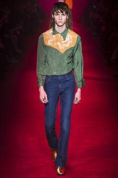 2de526768e6 Gucci Fall 2016 Menswear Collection Photos - Vogue Mens Fashion Week