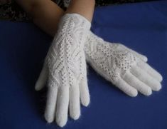New knitting patterns gloves fit Ideas Baby Knitting Patterns, Knitting Stitches, Baby Patterns, Wool Gloves, Knitted Gloves, Knitting For Charity, Wedding Gloves, Mittens Pattern, Baby Cardigan