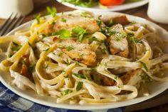 Sauce Alfredo maison...voici comment cuisiner le linguine au poulet sauce Alfredo