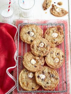 Cornflake Cookies from James Martin's United Cakes of America: http://gustotv.com/recipes/dessert/cornflake-cookies/